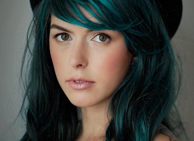 Fată verde
